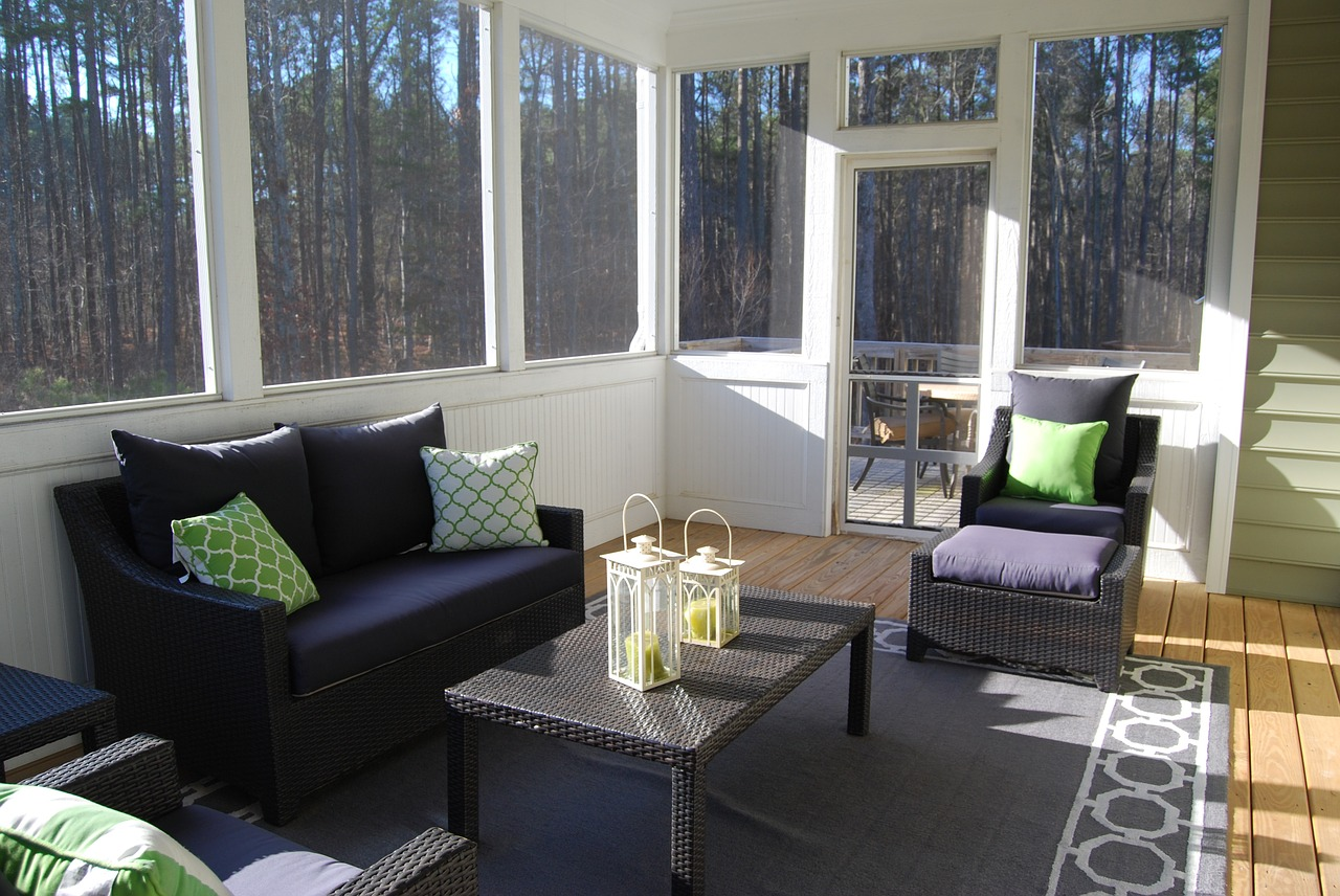 Sunrooms Vs Enclosed Porch What S The Difference Sune