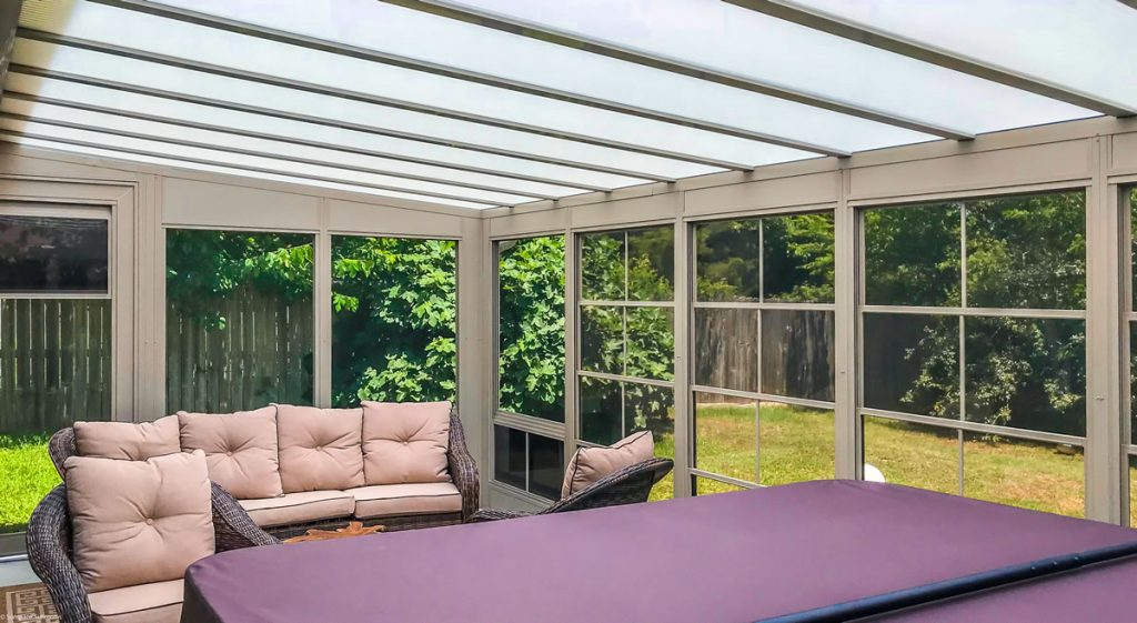 Sunroom w/Acrylic Patio Cover
